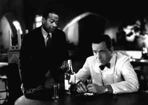 Dooley-Wilson-and-Humphrey-Bogart-in-Casablanca-1942